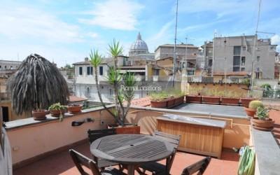 appartamento attico vista tetti #42
