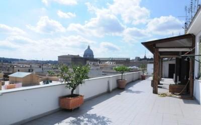 appartamento attico vista tetti #31