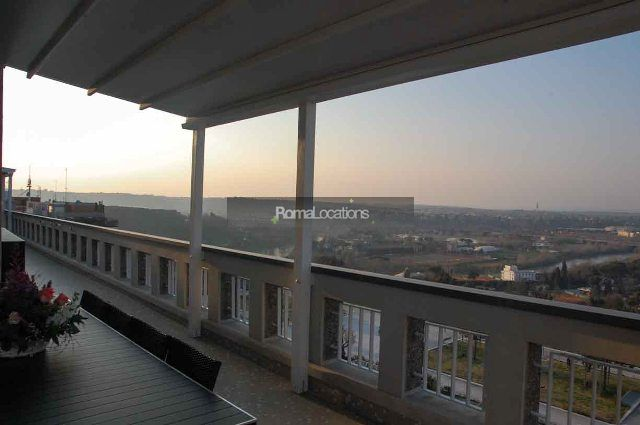 appartamento attico vista tetti #14
